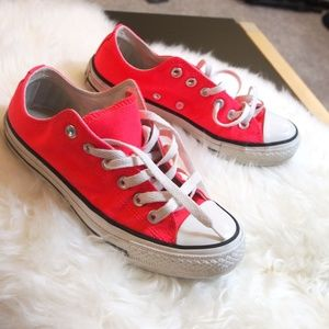 Converse Low Top Pink Canvas Sneakers W7 M5